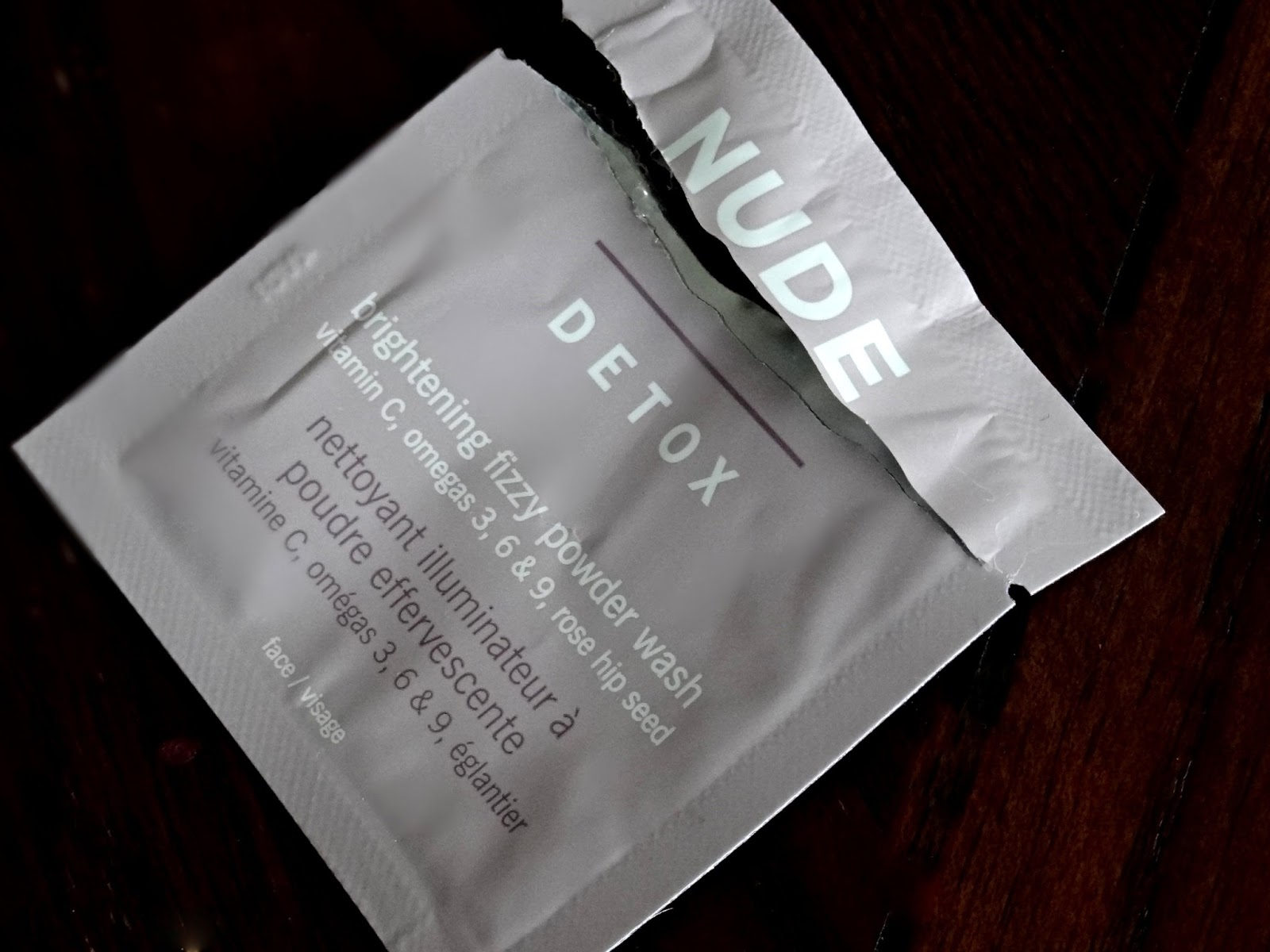 Nude Skincare Detox Brightening Fizzy Wash Review, Photos