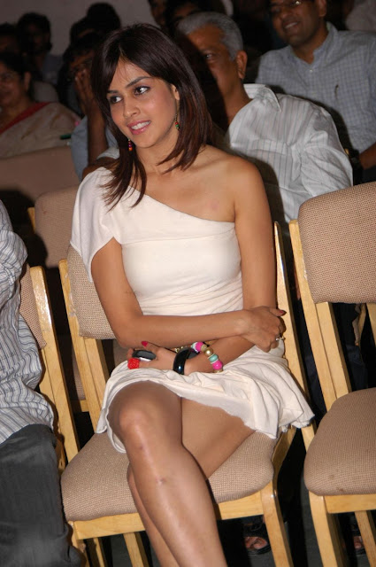 Genelia hot thigh show
