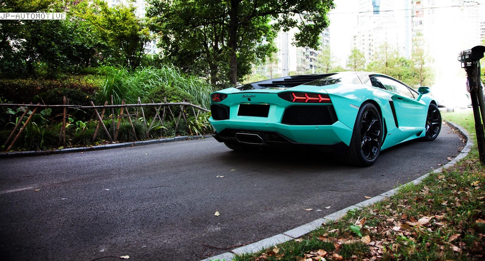 DC Town Design Tiffany blue and nero Lamborghini aventador ...