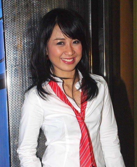 Foto Astrid Terbaru