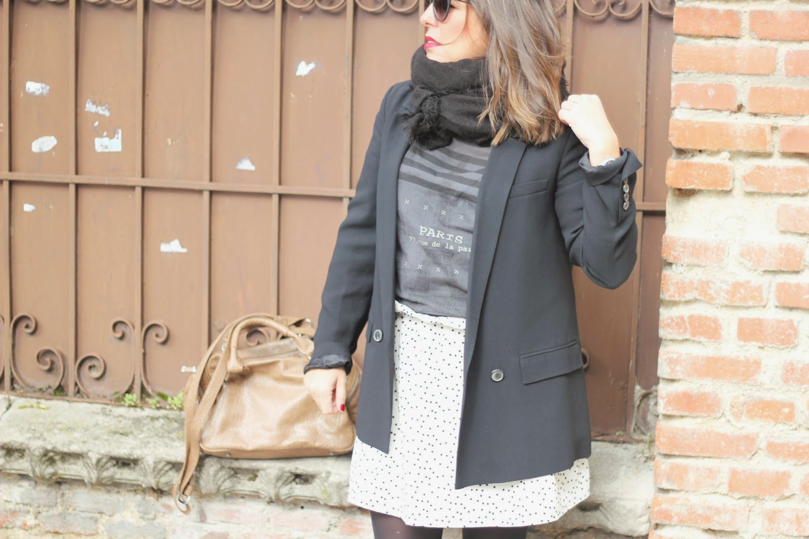 photo-look-street_style-skirt_with_stars-black_blazer-zara_kids