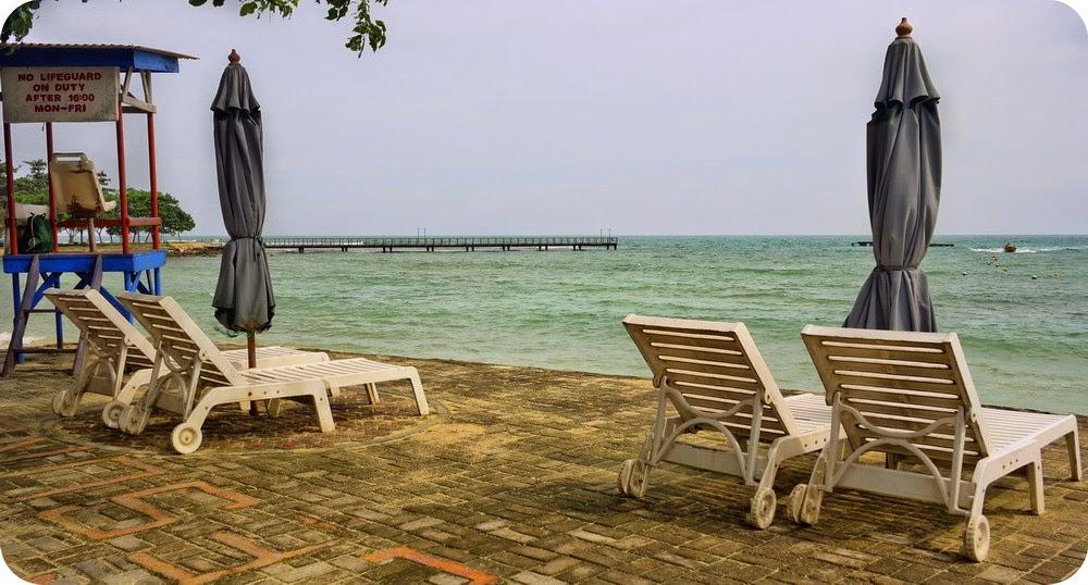 Nongkrong di Tanjung Lesung Beach Club