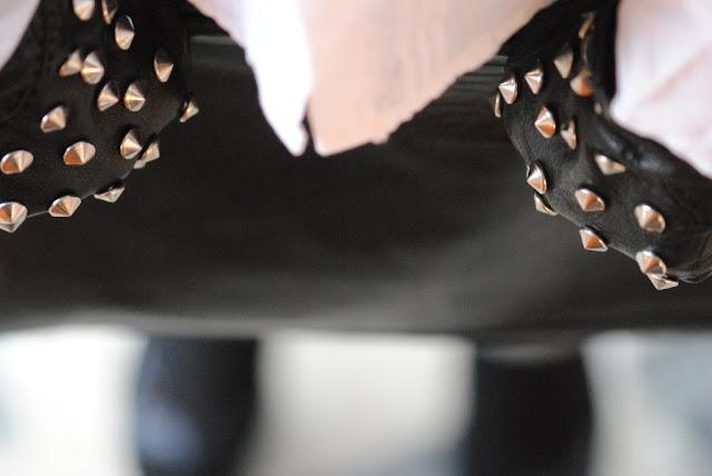 Studded gloves converse all star FashionStuds duemilaedodici borchie borchiate guanti veronica ferraro pied de poule