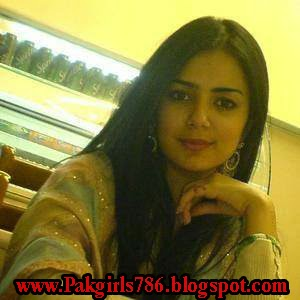 Pyari Noojawan Larkiyan / Young Desi Tits Album