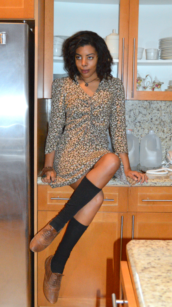 Fashion Blogger Anais Alexandre of Down to Stars in a vintage floral dress, knee high socks and leather oxfords