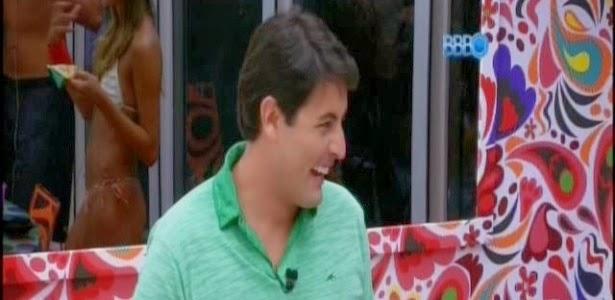 """Como conseguem conviver com Vanessa de biquíni?"""", brinca Bruno de Luca"""