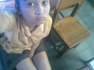 Kumpulan Foto HOT Gadis Belia SMU Pamer Paha