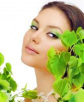 maquillaje de labios para vestirse de verde