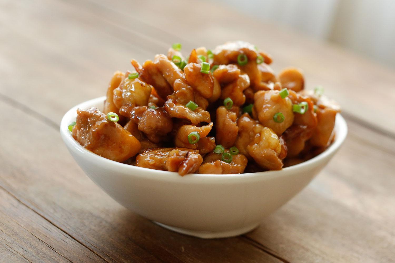 Honey Sriracha Chicken Bites | recipe at barefeetinthekitchen.com