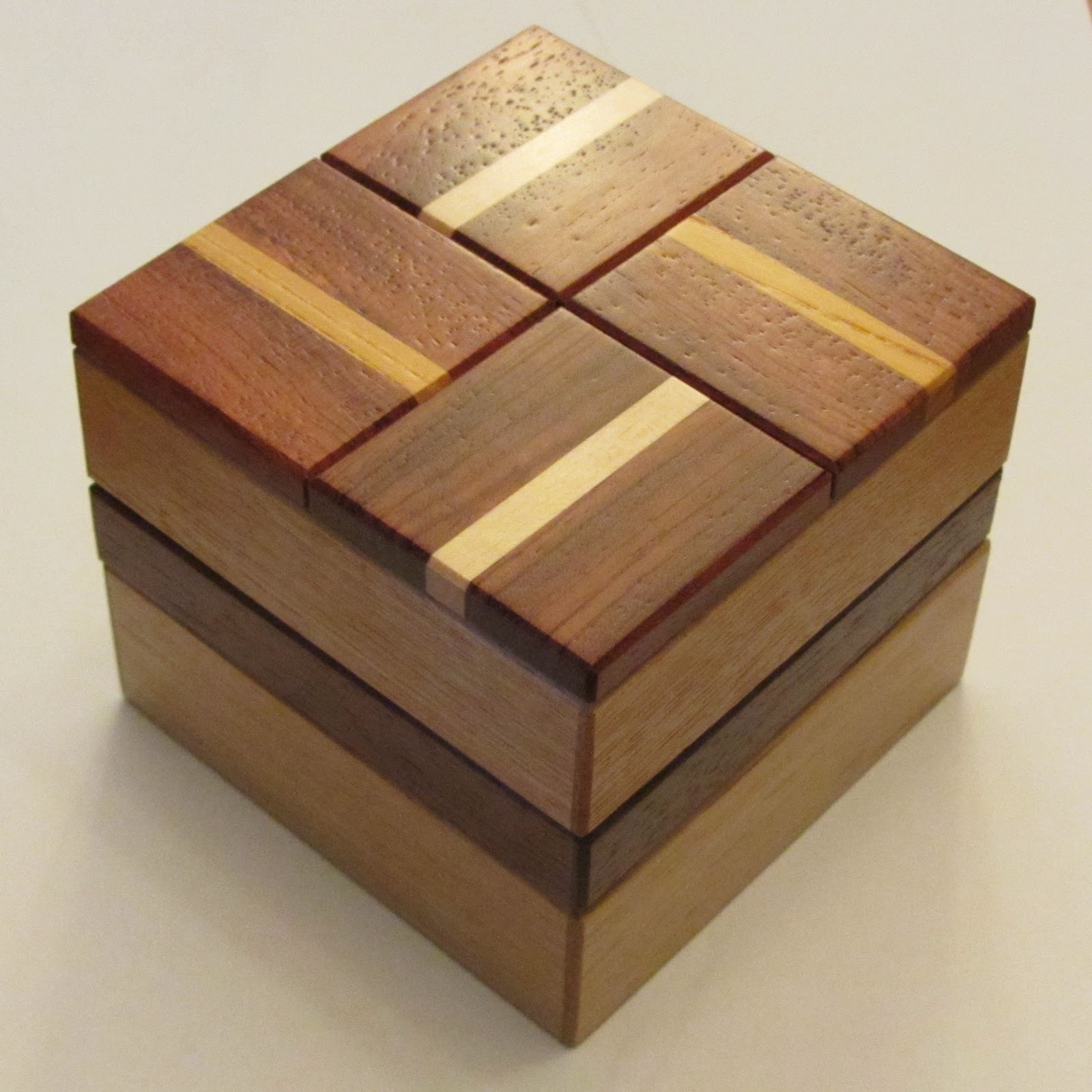 Peaks and Points: Japanese Puzzle Boxes