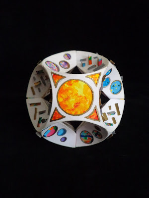 Sol (esfera papiroflexica perforada)