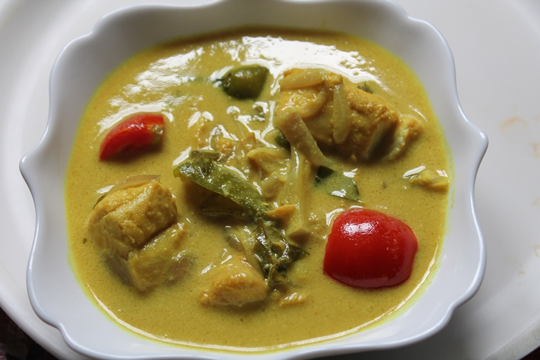 Meen Moilee Recipe / Meen Molee Recipe / Fish Molee Recipe / Fish Molly Recipe - Yummy Tummy