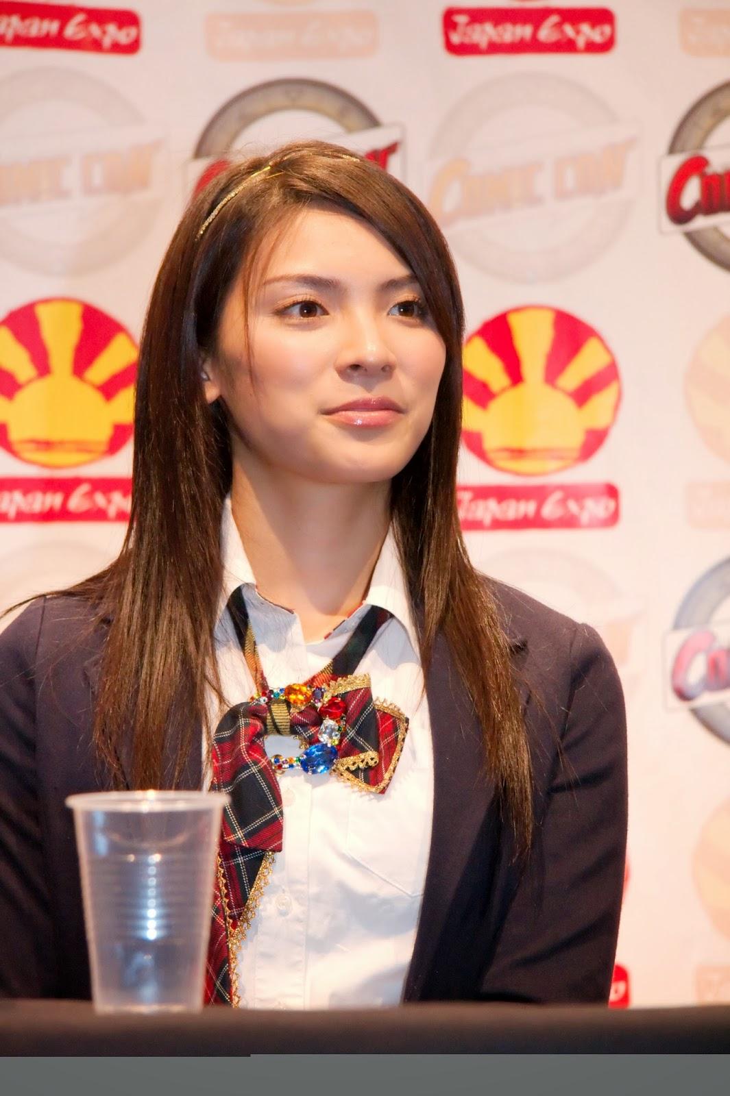 Akimoto Sayaka Gorilla Kecil Sayaka Akimoto yang