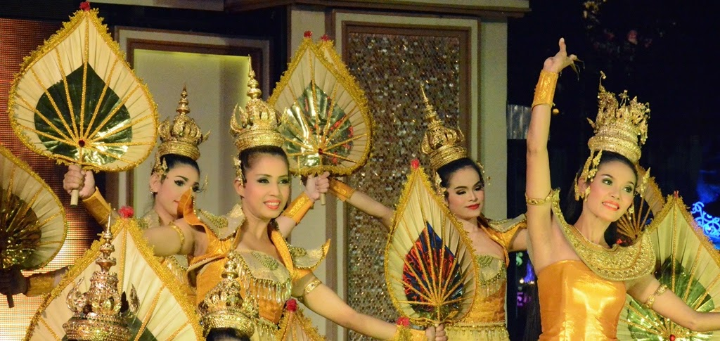 Phuket Fantasea Thai dancers
