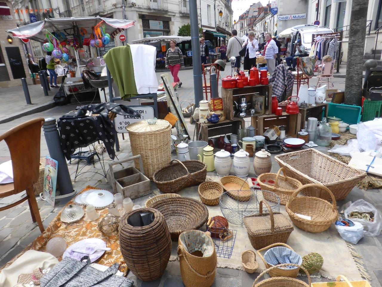 Experience loire loire valley france tourism - Vide grenier 84 aujourd hui ...