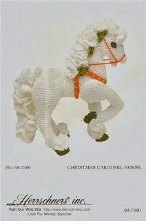 Карусельная лошадка вязаная крючком