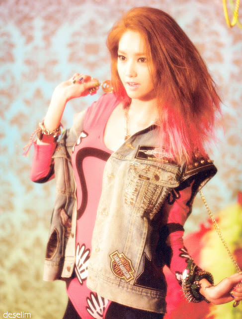 YOONA SNSD 2013 PHOTOBOOK Scan Original Version
