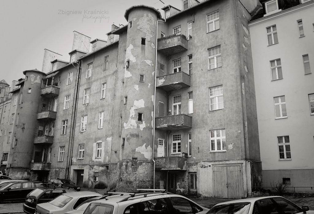 Gołębie wieże, czyli schody dla służby w kamienicy przy Pułaskiego 4 w Olsztynie