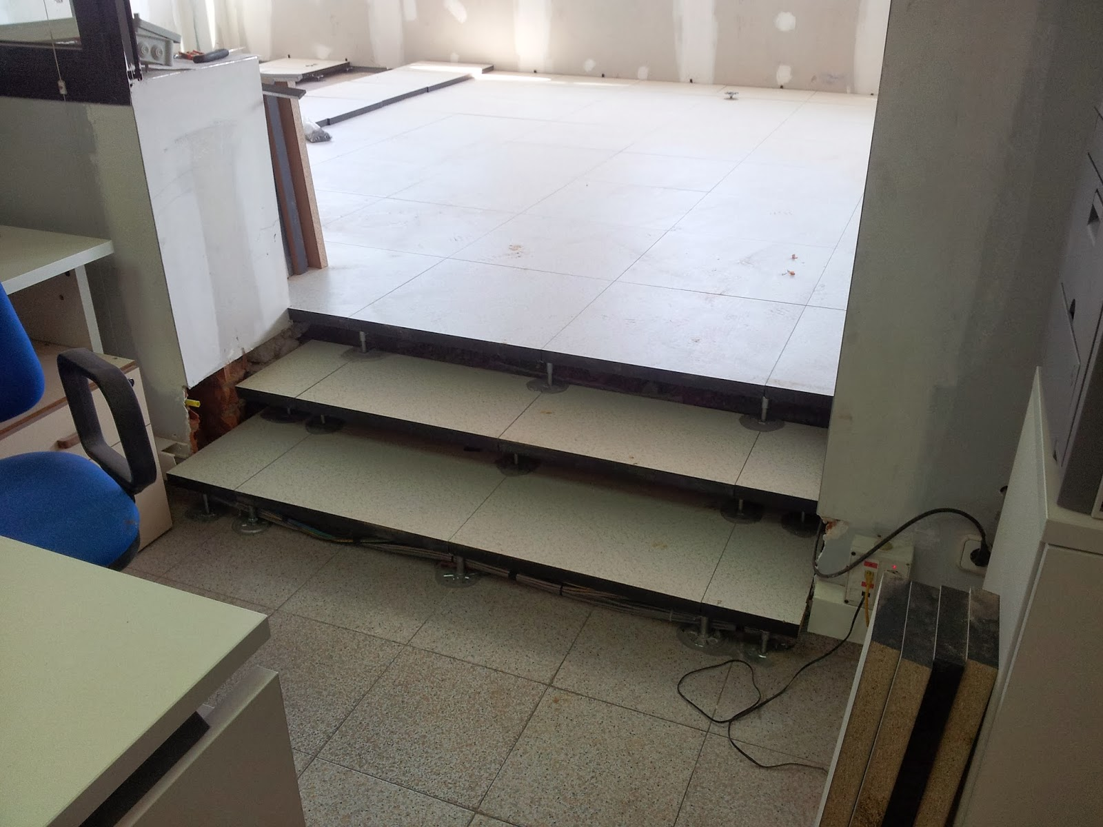 Detalle suelo tecnico detalle instalacin estuco sobre - Suelo tecnico madera ...