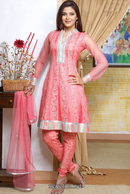 Latest-Designers-Anarkali-Frocks-For-Girls