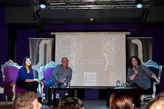 Blogueros contando su experiencia. El equipo de Revista Making Of en gala de los Premios 20 Blogs