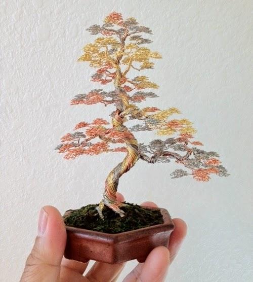06-Ken-To-aka-KenToArt-Miniature-Wire-Bonsai-Tree-Sculptures-www-designstack-co