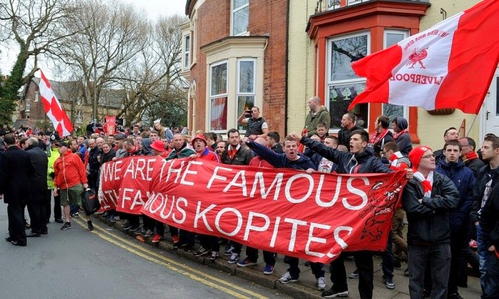 Penyambutan oleh suporter Liverpool