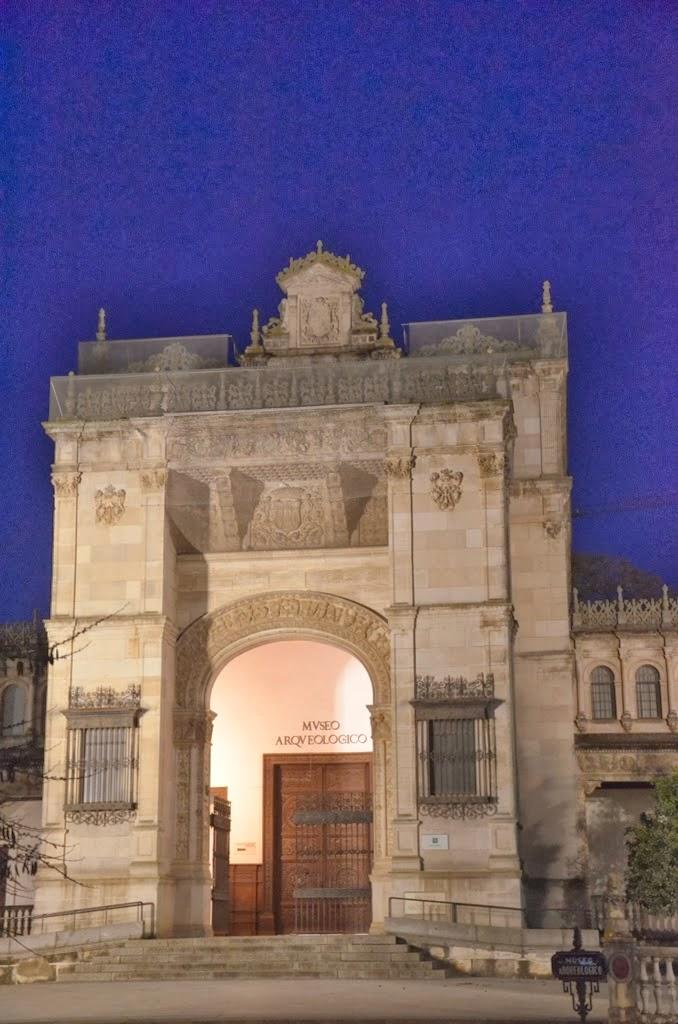 Pabellón neoclásico - Plaza América - Sevilla