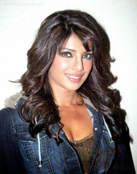 Priyanka Chopra :Priyanka Chopra's hot Unseen Rare Pics,Hot Pics Oops moments Pics [HD]