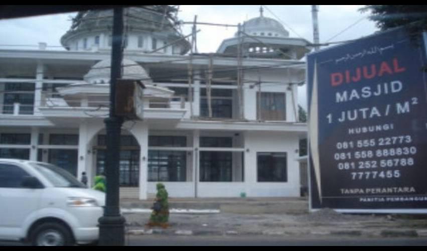 Masjid Di Batu dijual Panitia Pembangunan, Dibeli Bule