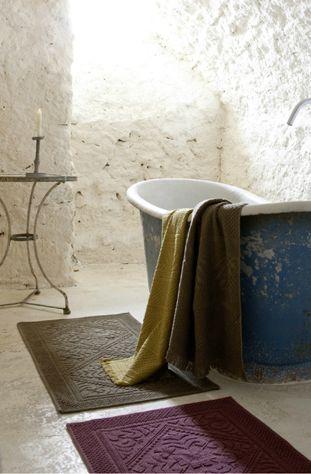 nouveau les serviettes et tapis de salle de bain cosy d co. Black Bedroom Furniture Sets. Home Design Ideas