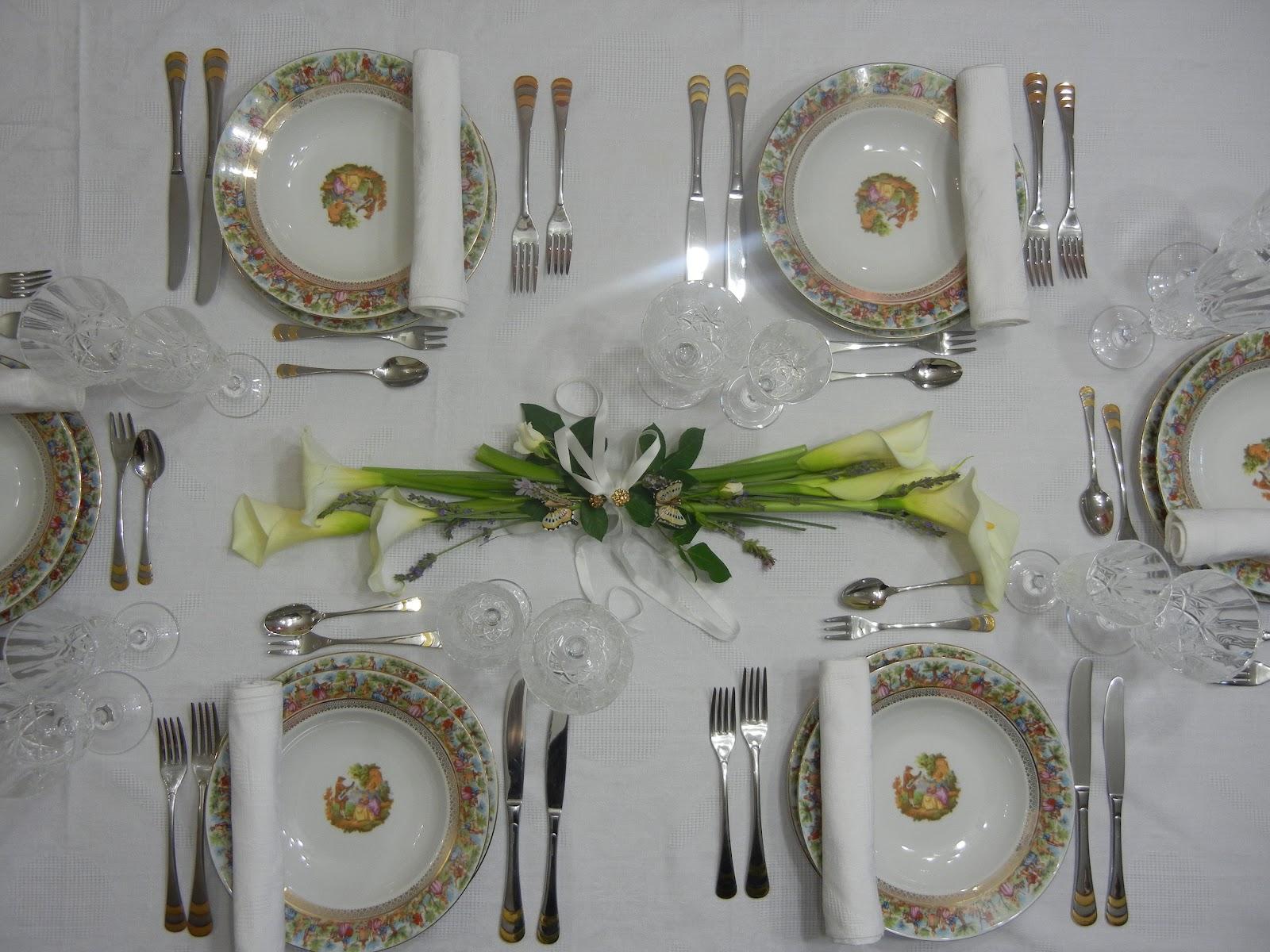 Loro in tavola una tavola elegante per la prima comunione - Apparecchiare una tavola elegante ...