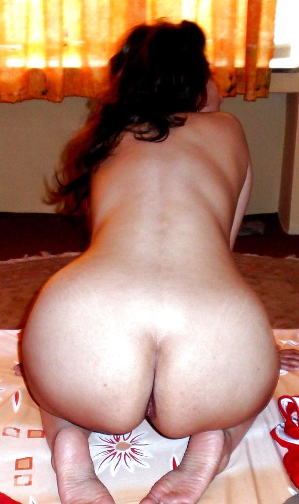 Iranian Woman Showing Back