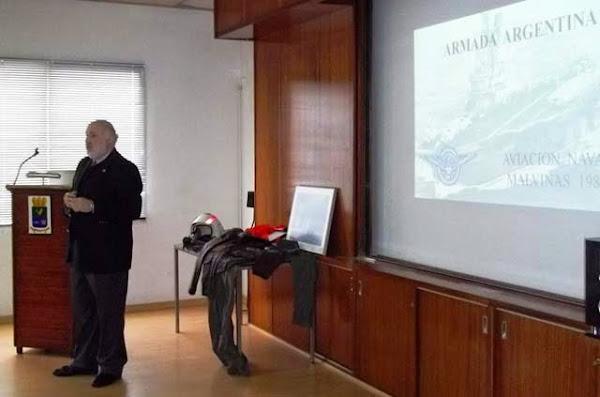 Exposición sobre la actuación de la Aviación Naval en Malvinas