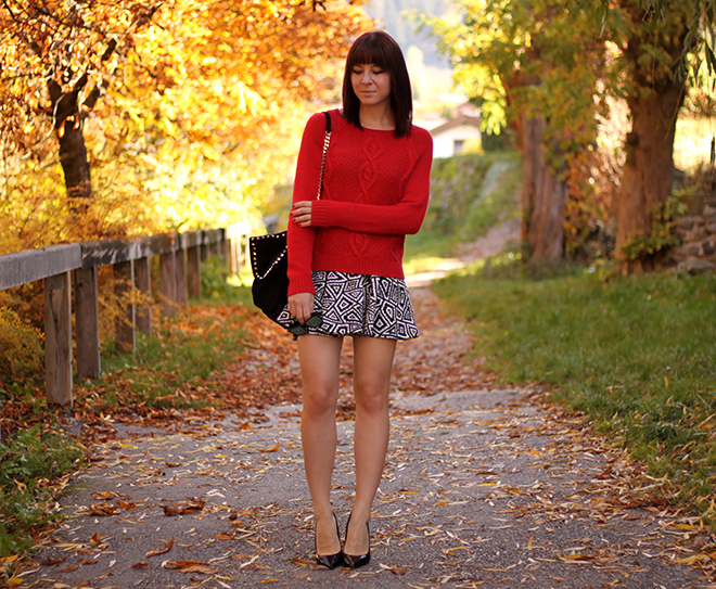 outfit-trend-fashionblogger-print-rock-zara-pullover-strick-hundm-pumps-buffalo-sarenza-tasche-citybag-nieten