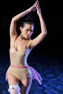 Angel Lelga telanjang