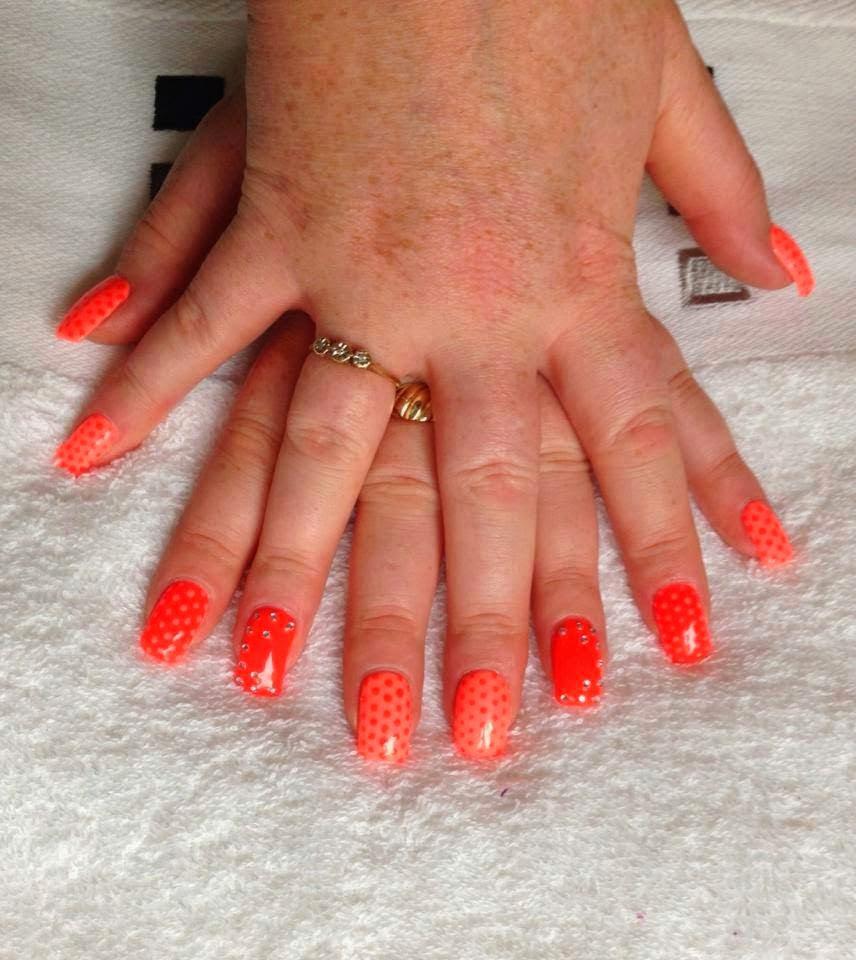 Sunshine oranges and neon orange gone dotty