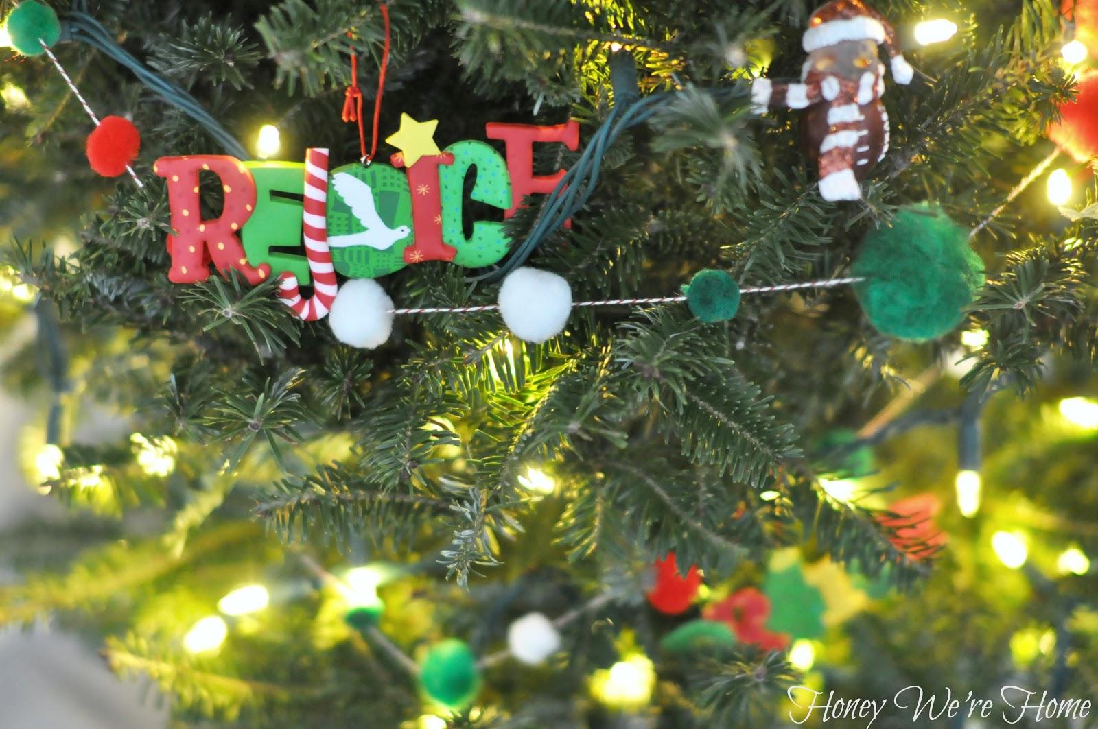 Diy Christmas Pom Pom Garland Honey We Re Home