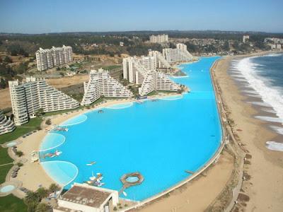 bassein 0008 أكبر و أنقى حمام سباحة في العالم بتكليف خمسة بلاين جنية استرليني  في تشيلي