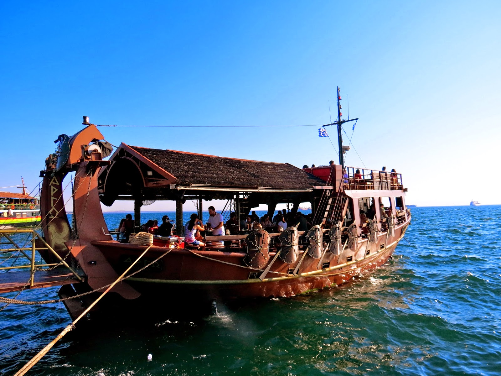 Thessaloniki restaurant boat