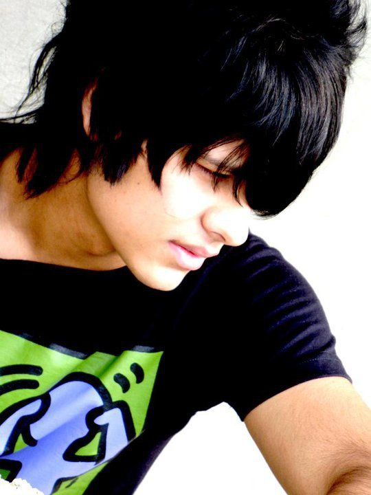 Download Free Wallpapers Emo Boy Hairstyle