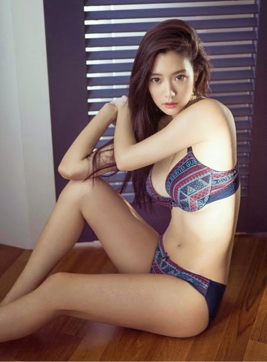 Clara Lee | Underwear Photoshoots