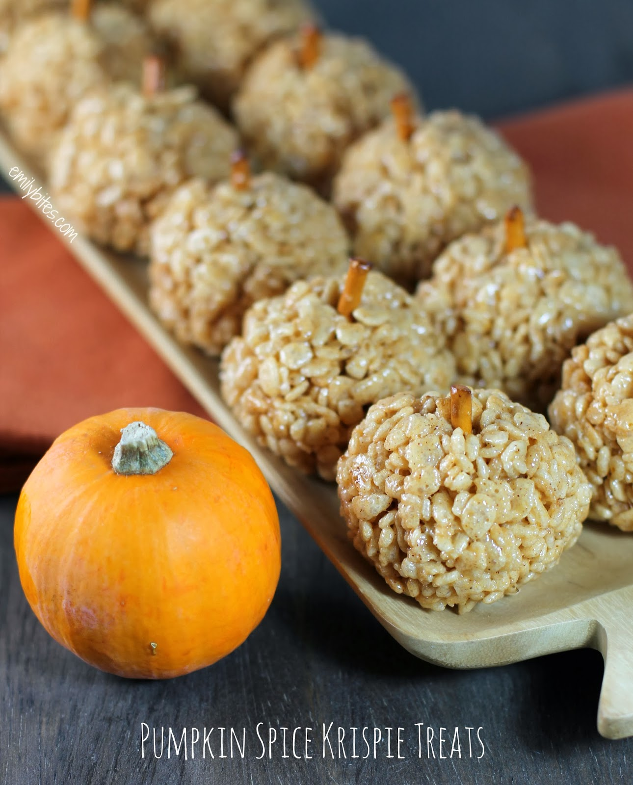 Pumpkin Spice Krispie Treats | Pinnutty.com