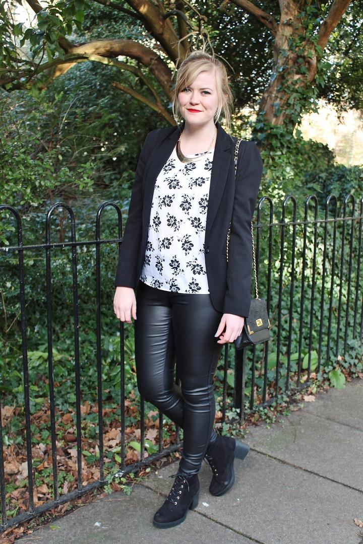 http://www.littlemisskaty.co.uk/2015/01/fashion-3-ways-wear-leather-trousers.html