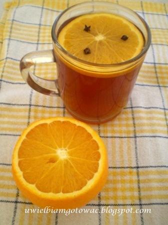 Rozgrzewająca herbata z pomarańczą