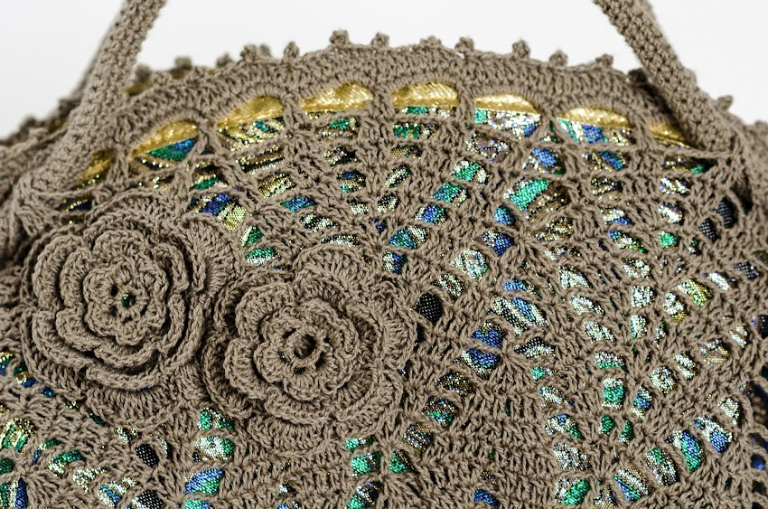Outstanding Crochet: Doily purse with peacock lining ...