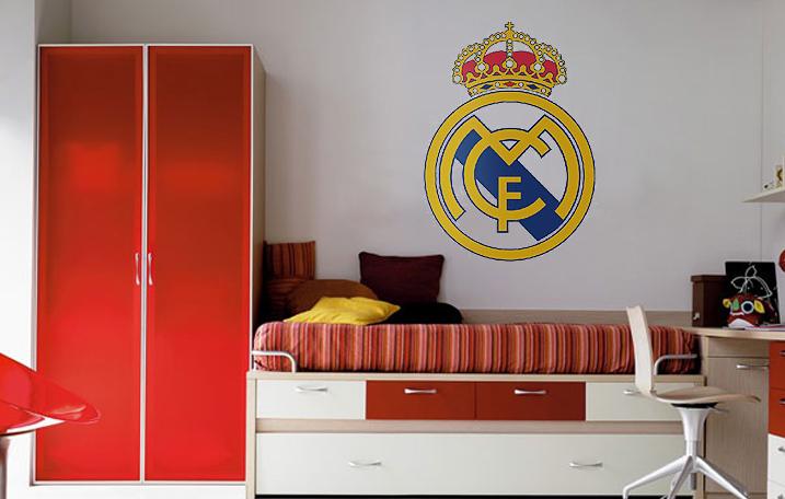Decopared escudos pintados de futbol para las for Murales pintados en paredes de habitaciones