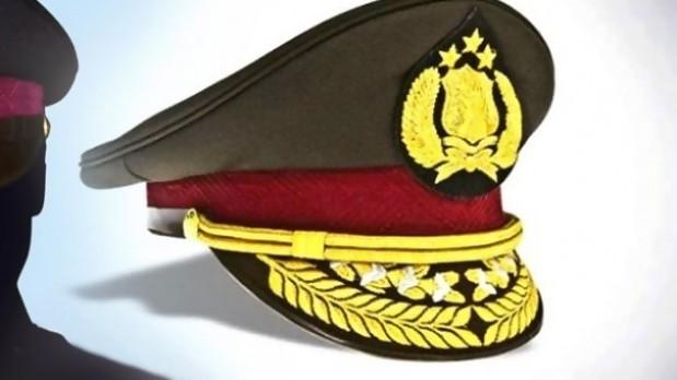 Kapolda Maluku Brigjen Ilham Salahudin melantik tiga pejabat utama di lingkungan Polda Maluku, di Ambon, Senin (28/11).