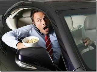 Lagos outlaws eating, phone calls while driving