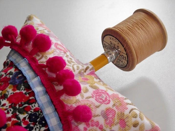 Arbol de navidad con telas handbox craft lovers - Arboles de navidad de tela ...